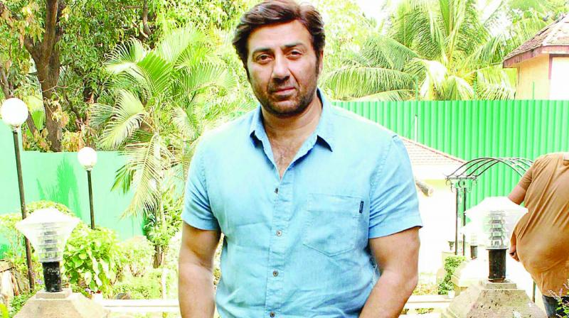 Former actor and BJP candidate Sunny Deol led by 77,000 votes against state Congress chief Sunil Jakhar. (Photo: File)