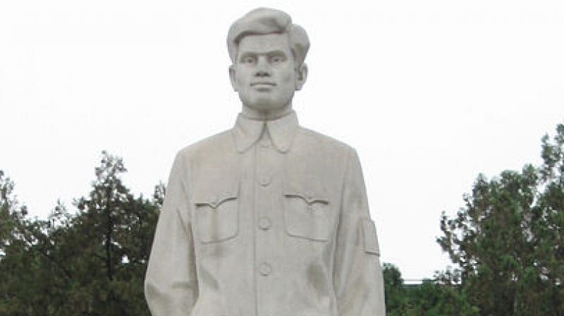 A statue of Dwarkanath Kotnis in Shijiazhuang Hebei,China. (Image: Wikimedia Commons)