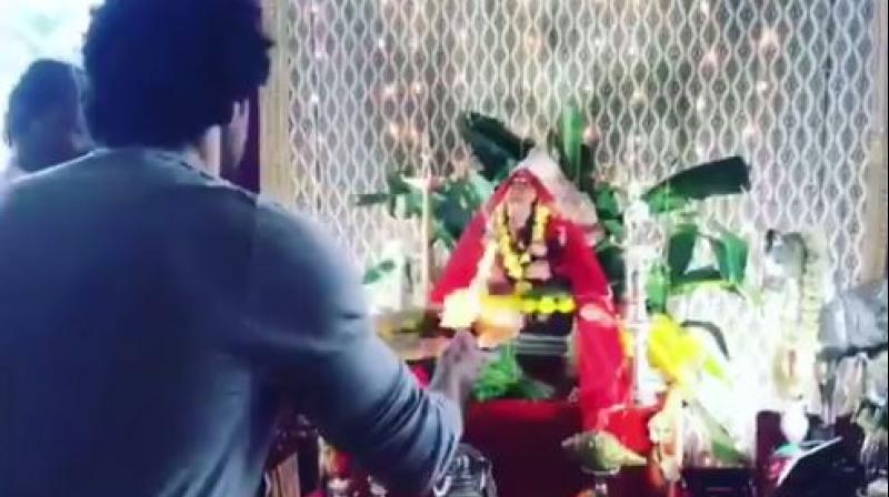 Hrithik Roshan doing Ganesha puja.