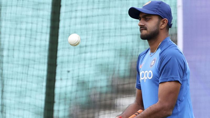 Shankar looked in considerable pain and left the nets immediately. (Photo: AP)