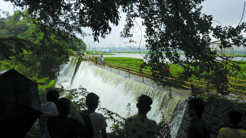 Powai lake overflows after heavy rain fall on Tuesday. (Photo: SHRIPAD NAIK)