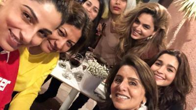 Alia Bhatt, Neetu Kapoor and the gang on Alia Bhatt's birthday.