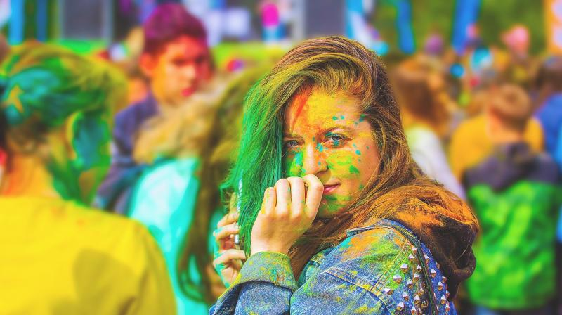 Dermatologists suggest that persons with a known history of atopy or allergic rhinitis are more prone to allergies of holi colours. (Photo: Pixabay)
