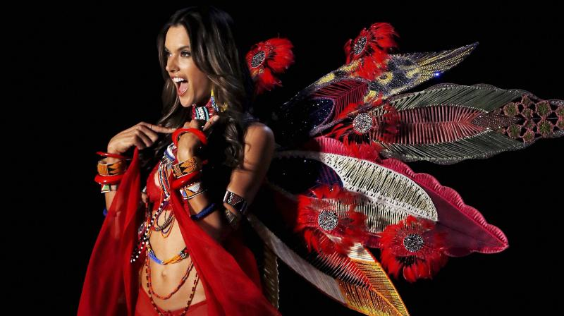 cb57160a19 That s a wrap! Alessandra Ambrosio walks her final Victoria s Secret show