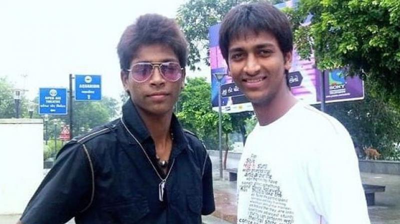 Hardik Pandya (L) with his brother Krunal Pandya. Twitter Photo