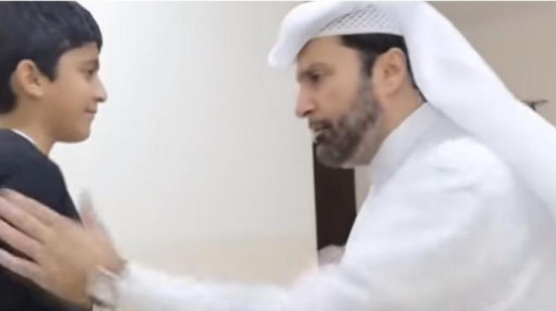 The video starts with him greeting his viewers and guiding them how they should beat their wives. (ScreenGrab:Youtube)