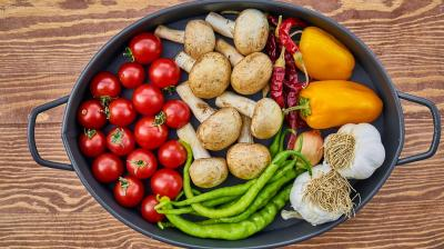 Eating More Fibre Tied To Lower Mortality With Colon Cancer Says Study