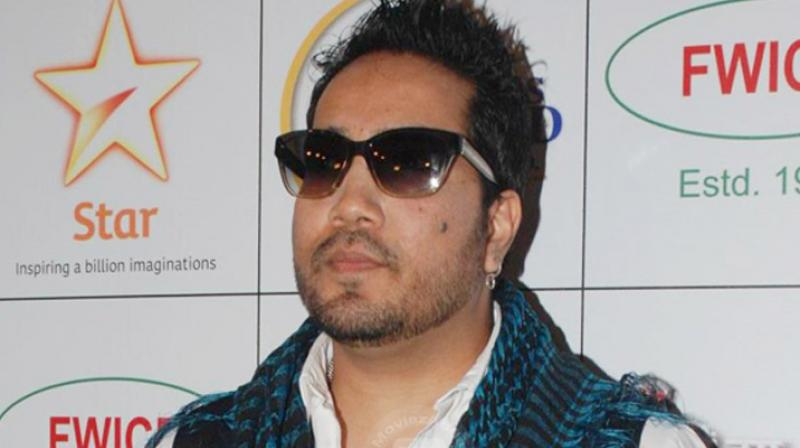Mika Singh takes on journalist for questioning him over Pakistan performance
