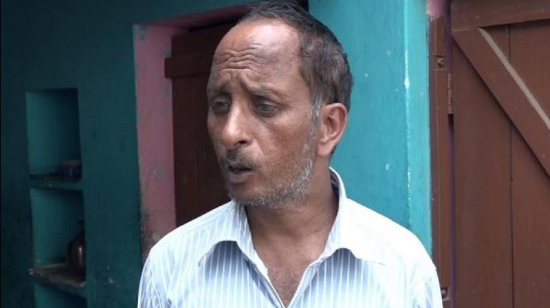 The father, Sumer Singh, has been running from pillar to post to get her daughter, Lalita, treated, but is unable to do so owing to his poor financial condition. (Photo: ANI)