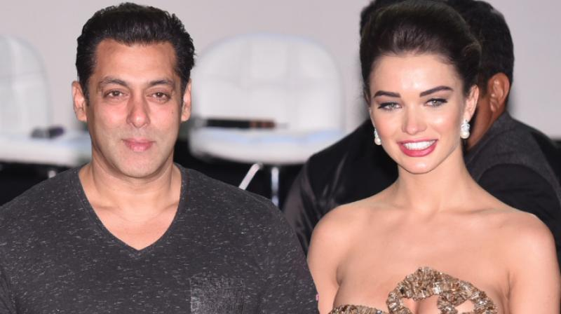 Salman Khan and Amy Jackson (Pic courtesy: Viral Bhayani).