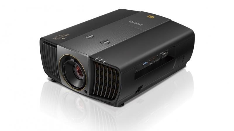 It utilizes optimal colors to achieve super wide DCI-P3 color space and contrast quality with over 8.3 million pixels.