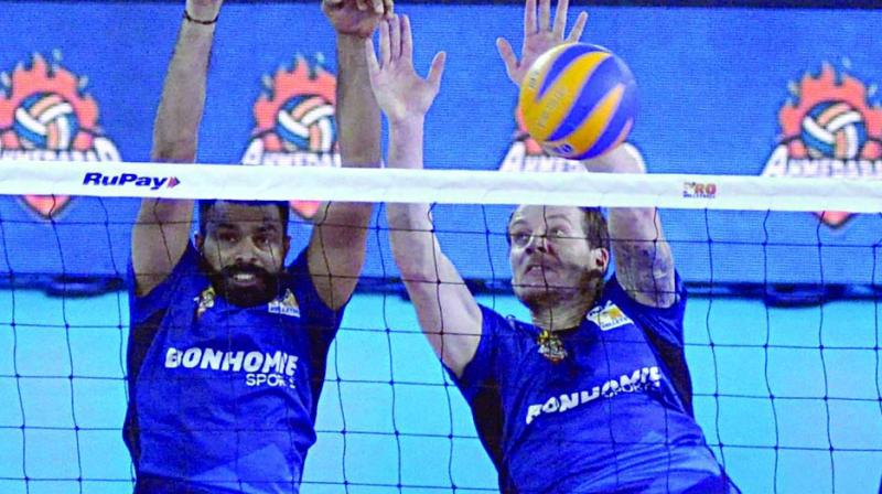 Kochi Blue Spikers and Ahmedabad Defenders in action on Wednesday. (Photo: Sunoj Ninan Mathew)
