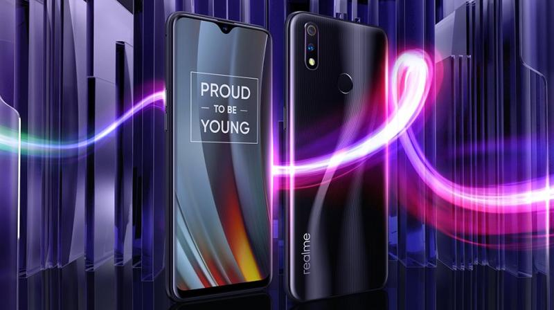 The Realme 3 Pro sports a 6.3-inch FHD+ display and a dewdrop notch