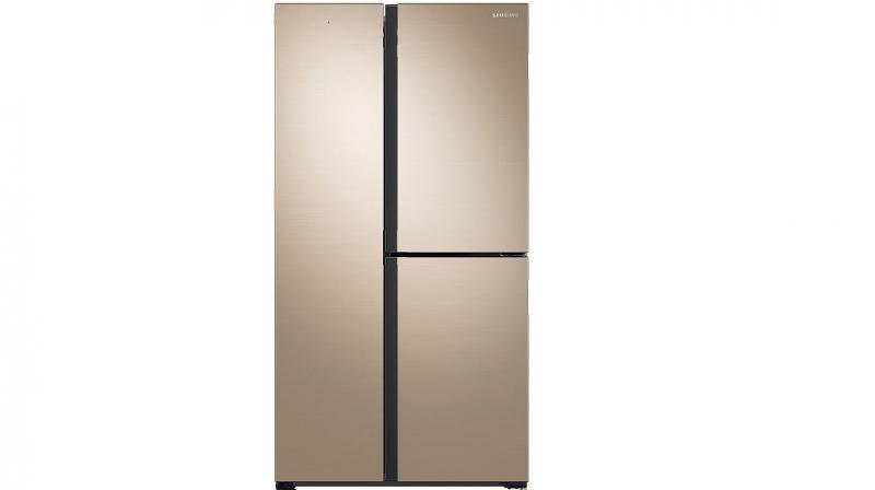SpaceMax technology enables the walls of the refrigerator to be much thinner as it uses a minimal amount of high-efficiency insulation.