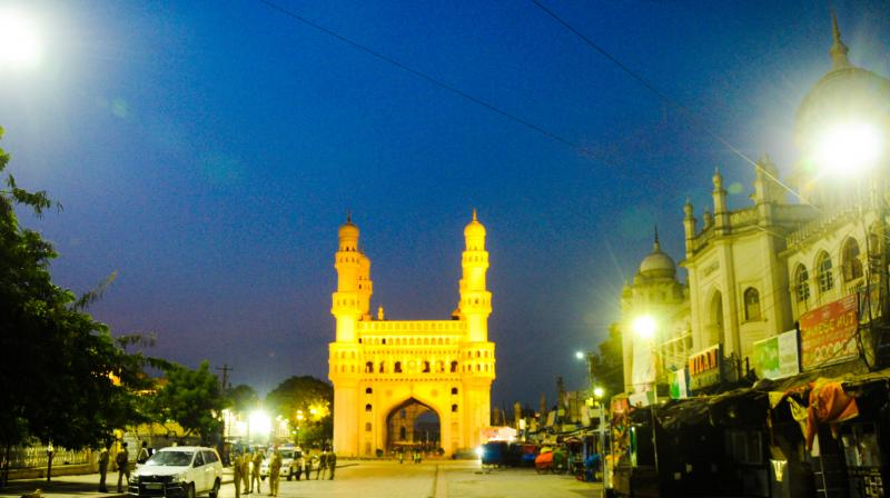 The area around Hyderabad's iconic Charminar is deserted on Thursday evening. On Ramzan evenings, the locality is normally abuzz with acctivity. (DC Photo: Deepak Deshpande)