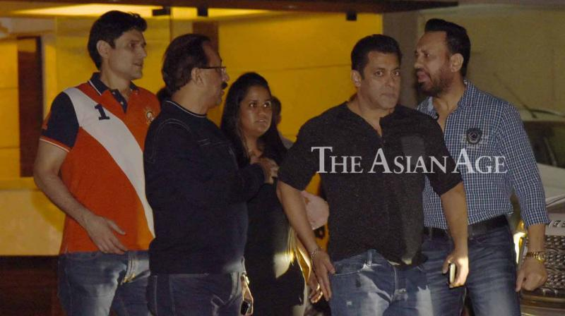 Salman Khan, Sohail Khan and several other celebrities were seen at the wedding anniversary bash of their sister Arpita Khan Sharma. (Photo: Viral Bhayani)