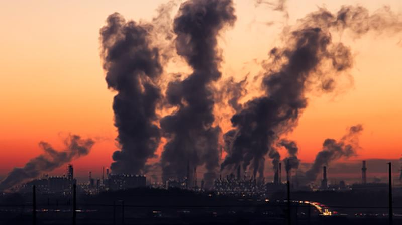 Anxiety level mediated the link between imagining exposure to air pollution and unethical behaviour. (Photo: Pixabay)