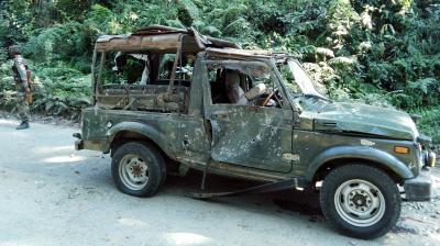 Militants open fire at Army vehicle in Pulwama, no casualties