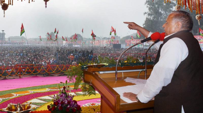 Samajwadi Party supremo Mulayam Singh Yadav addresses a public meeting in Bareilly on Wednesday. (Photo: PTI)