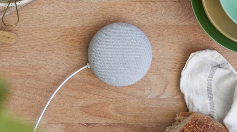 This small 4-inch disc-shaped speaker weighs just 181 grams and can be hung unobtrusively on the wall.