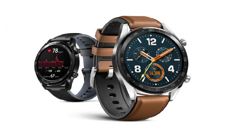 Coming in leather, metal and Fluoroelastomer straps (at least for the 46mm variant) the device will sport a 1.39-inch Super AMOLED display made of 3D glass.