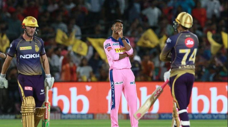 Some opined that batsman should be given out if the bails light up, others disagreed. (Photo: BCCI)
