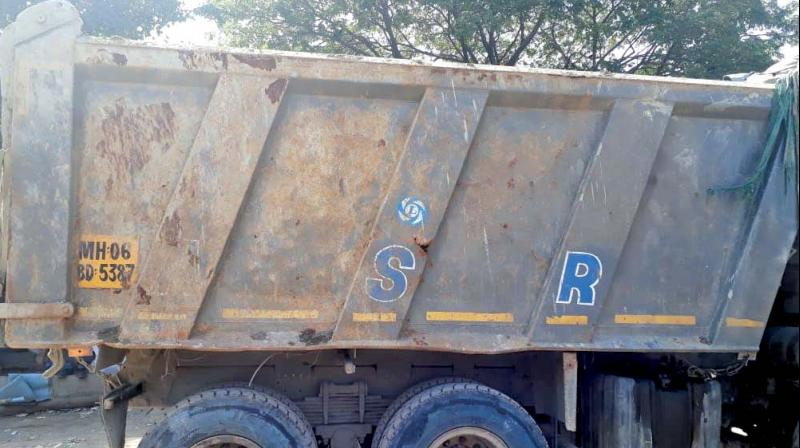 The civic body slapped a fine of Rs 20,000 on each of the three seized dumpers.