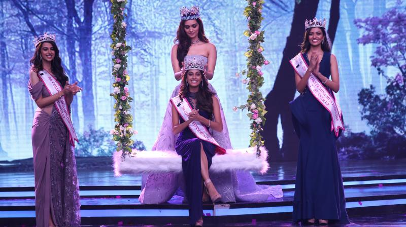 Miss World 2017 Manushi Chhillar crowns Anukreethy Vas.