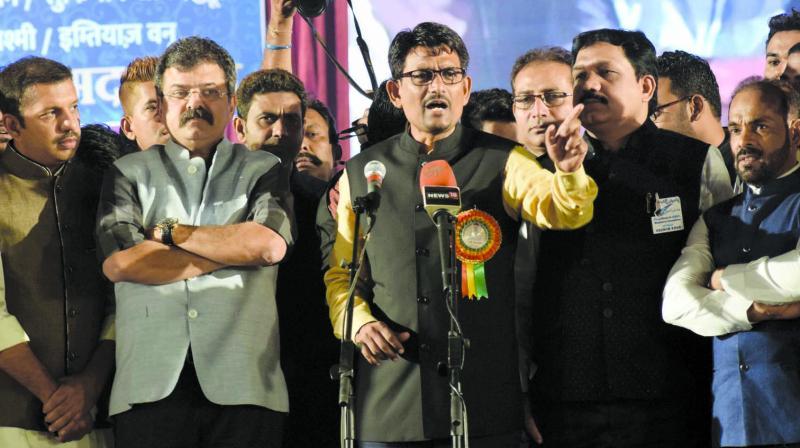 Thakore was speaking at a mushaira event in Mumbra. (Photo: Deepak Kurkunde)