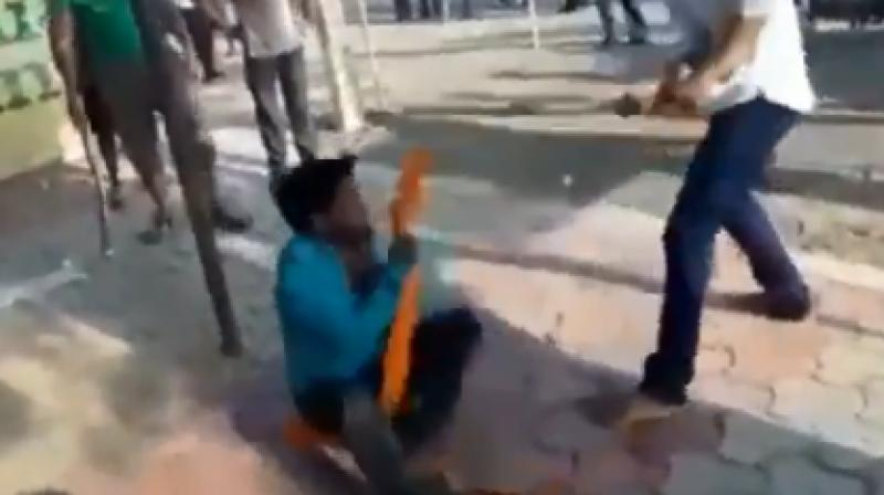 The police said that they have arrested all the five accused who mercilessly had beaten up the victims with sticks. (Photo: Screengrab)