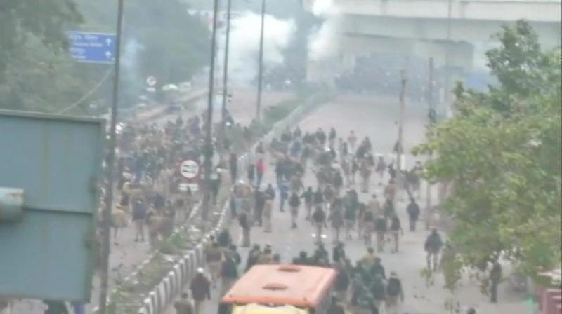 Angry protesters demanding scrapping of the amended citizenship law torched several motor bikes, pelted stones at police and damaged public buses in Northeast Delhi's Seelampur area on Tuesday, in fresh violence in the national capital. (Photo: Twitter/ ANI)