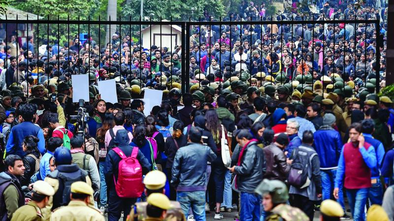 JNU Students stage protest over the Sunday's violence on JNU campus. (Photo: PTI)