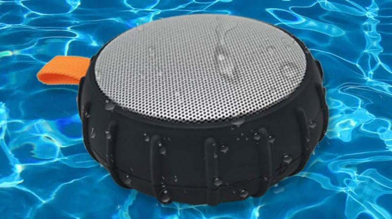 Sound One SHELL produces thumping bass and crystal clear sound.