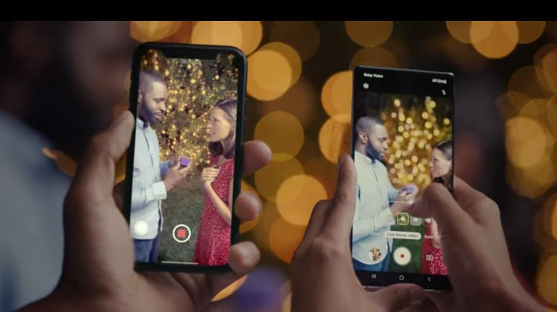 Live focus as you see helps users get the bokeh effect in videos. This helps keep the main subjects in focus on the Note+ and blurs out the back