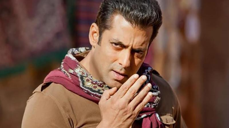 Salman Khan's recently released film 'Tubelight' tanked at the box office. The actor is reportedly paying the distributors a sum of 65 Cr to help them recover from the monetary losses they have incurred because of the war drama not performing well.