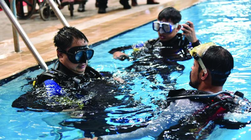 The underwater realm is a thrilling world that human beings often enjoy witnessing. But not everyone has the luxury to dive-deep into the mysterious aquatic universe, owing to either their fears or disabilities.