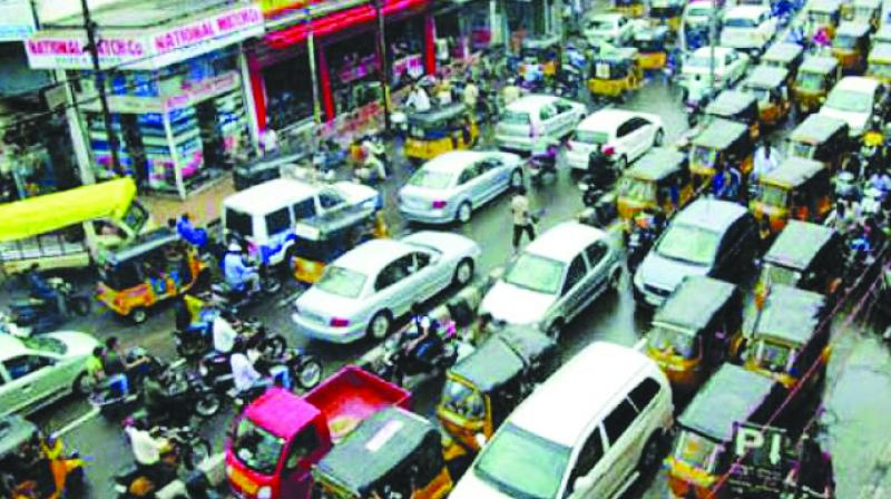 "The traffic of Indian cities can be dubbed the ""wild east"". (Representational image)"