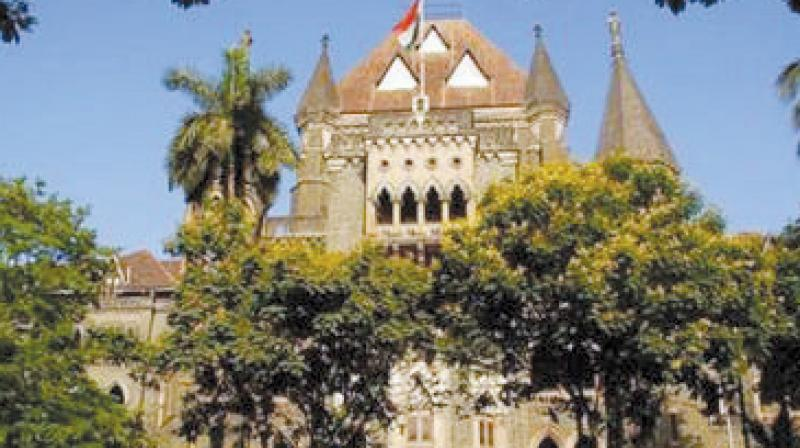 Lawyers exempted from the HC mobile phone ban.