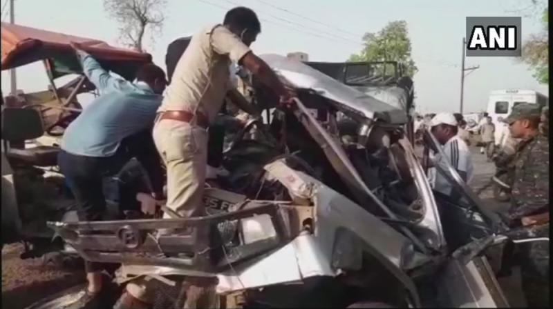The rescue team had a tough time pulling the bodies out of the mangled jeep.(Photo: Twitter | ANI)