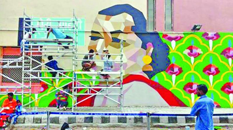 Wall art at the Vivek Vihar metro station in Jaipur