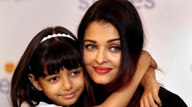 Aishwarya Rai Bachchan with daughter Aaradhya Bachchan (Twitter)