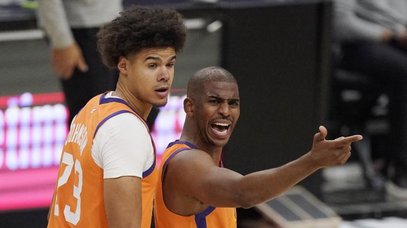 Phoenis Suns' Chris Paul (right) in a file picture. (Photo: AP)