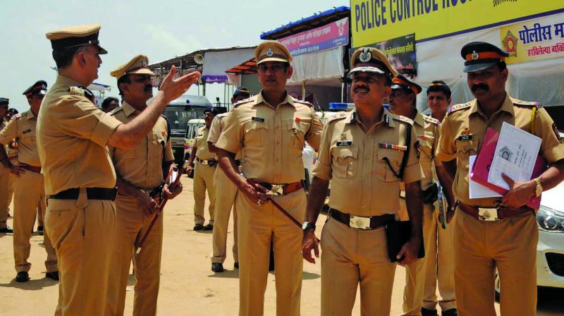 The police also held a meeting with the mandal for smooth functioning till Sunday when the idol will be immersed.