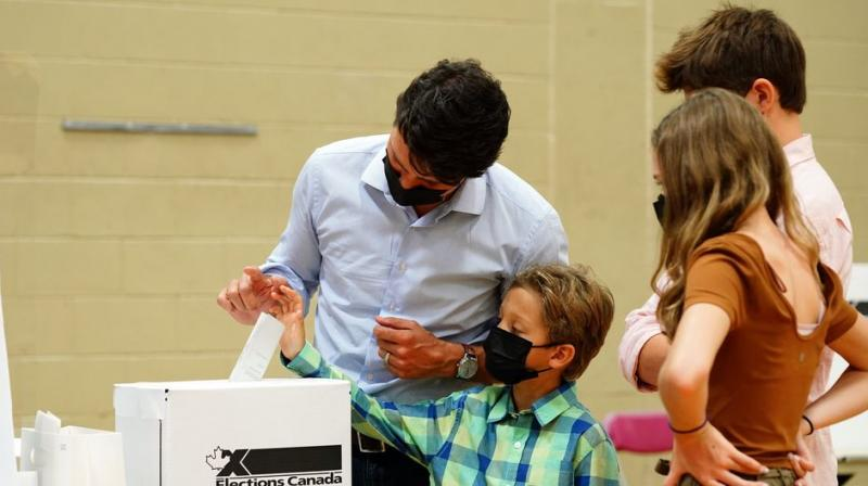 Justin Trudeau casts his ballot at a Montreal polling station. (Bloomberg)