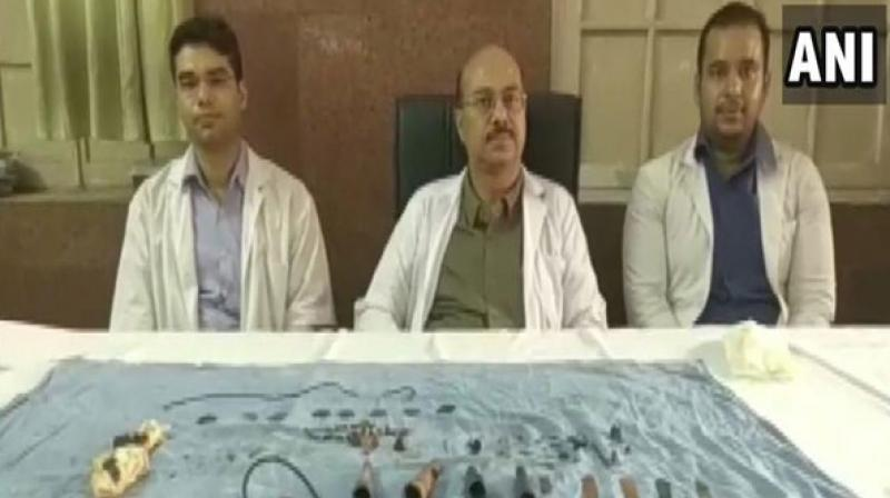 Team of doctors who operated on the man. (Photo: ANI)