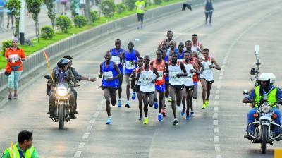 The marathoners running on the Marine Drive stretch. (Photo: Rajesh Jadhav)