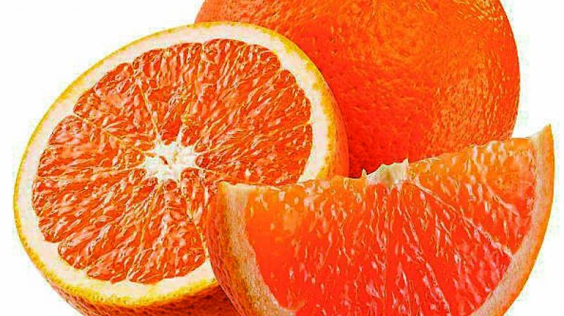 Citrus fruits contain antioxidant polyphenols and vitamin C which protect cells from the damaging effects of free radicals.