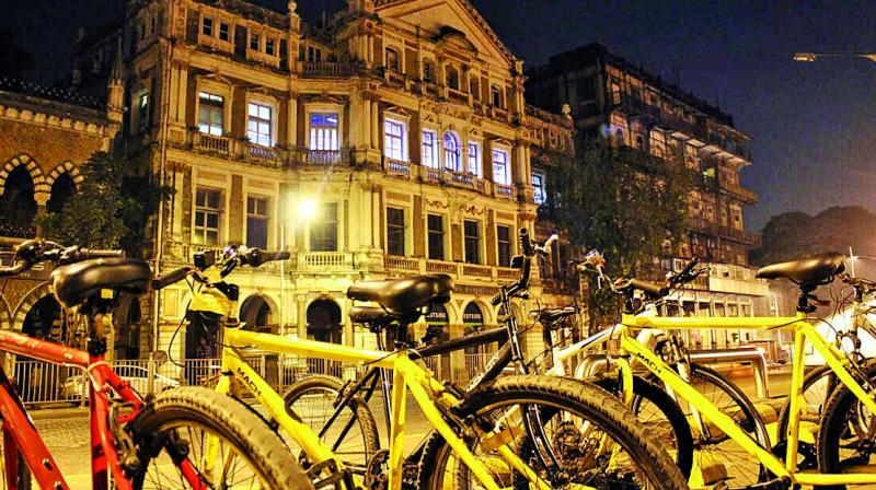 Kruti Dalal goes on a 7-hour cycle ride around South Mumbai with Reality Tours.