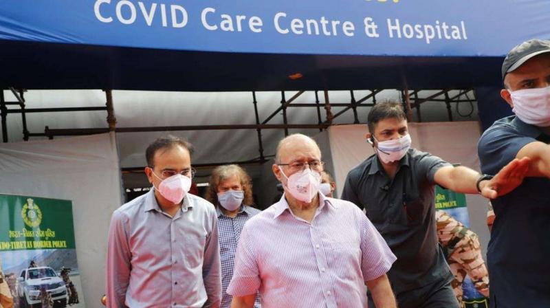 Delhi L-G Anil Baijal at Covid Care Centre at Radha Soami Satsang Beas (Photo- Twitter)