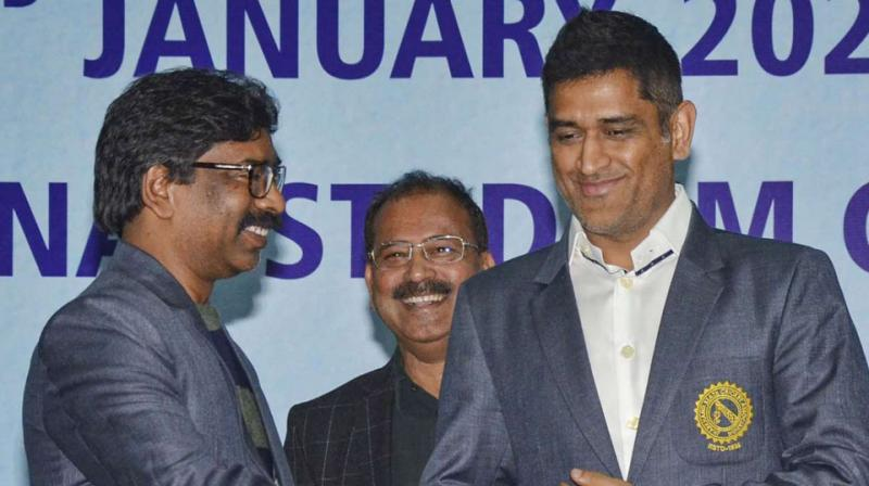 Jharkhand Chief Minister Hemant Soren urges BCCI to host farewell match for Dhoni in Jharkhand. (Photo- Twitter)